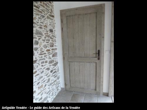 Création et fabrication d'une porte en bois intérieure